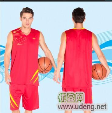 主营批发:足球、篮球、羽毛球服饰及各类球鞋。