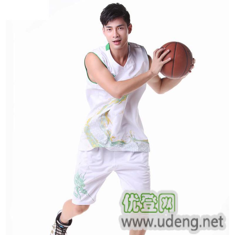 足球篮球羽毛球服饰